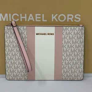 Michael kors jet set travel central stripewristlet